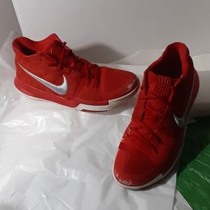 Nike Kyrie 3 red hitops 852395-601 size 11.5